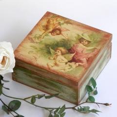 Decoupage και Shabby Chic σε ξύλινο κουτί