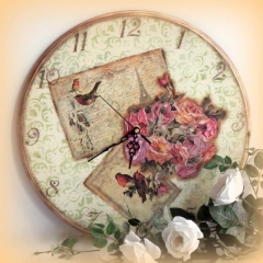 Ρομαντικό ρολόι με decoupage